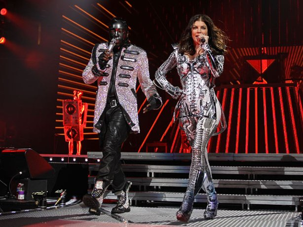 Will.I.AM and Fergie take the stage of the Black Eyed Peas Show